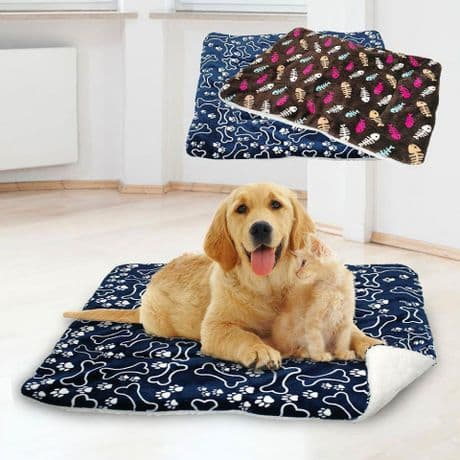 Fleece pet mat/blanket - double sided. 2 styles/colours. Sizes: S, M,  L &  XL