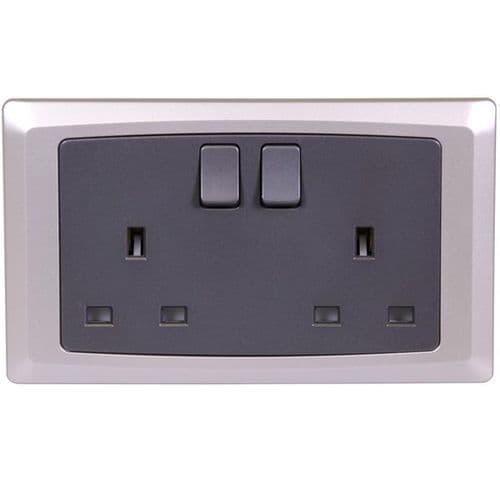 DOUBLE SWITCHED SOCKET WITH SILVER TRIM