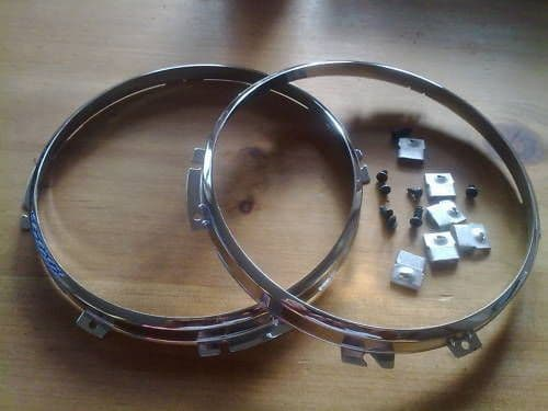 AUSTIN A40 FARINA NEW CHROME HEADLAMP RETAINERS x 2 (FREE UK POST)