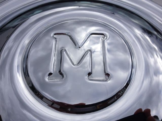 MORRIS OXFORD 2,3,4 BRAND NEW HUB CAPS (M LOGO) X 1 (FREE UK POST)
