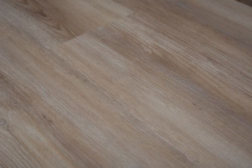 SPC TONED LIGHT OAK UKS19001
