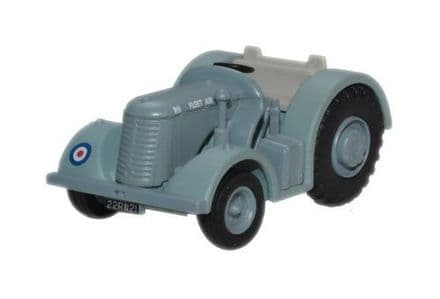 Oxford Diecast 76DBT002 Royal Navy Fleet Air Arm David Brown Tractor - 1:76